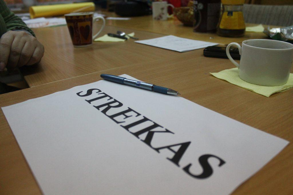 Įspėjamasis dviejų valandų streikas vyksta šešiose Kretingos rajono mokyklose.