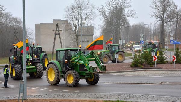 Taikioje protesto akcijoje dalyvavo per 50 rajono ūkininkų.