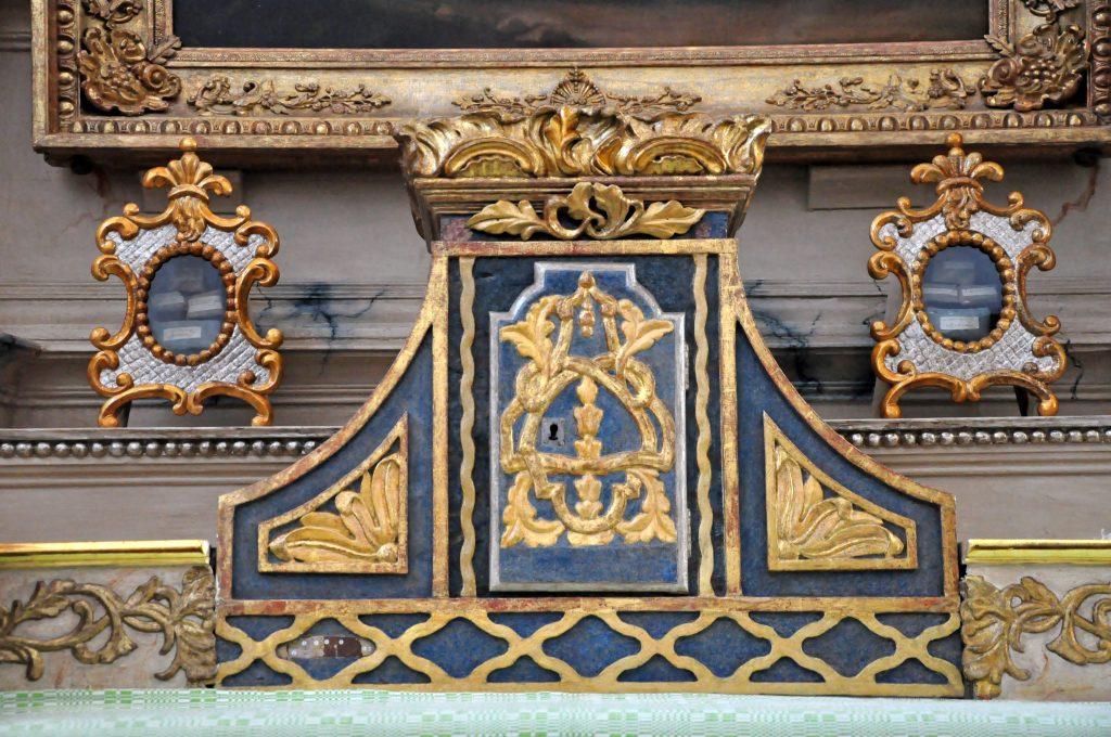 Šv. Antano altoriaus relikvijoriai. Fot. Jolantos Klietkutės, 2016 m.