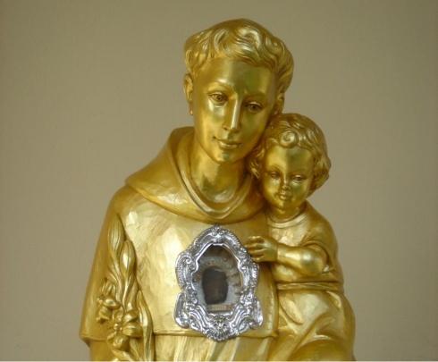 Į Lietuvą bus atvežta didžioji šv. Antano Paduviečio relikvija, kurią bus galima paliesti, prie jos pasimelsti.