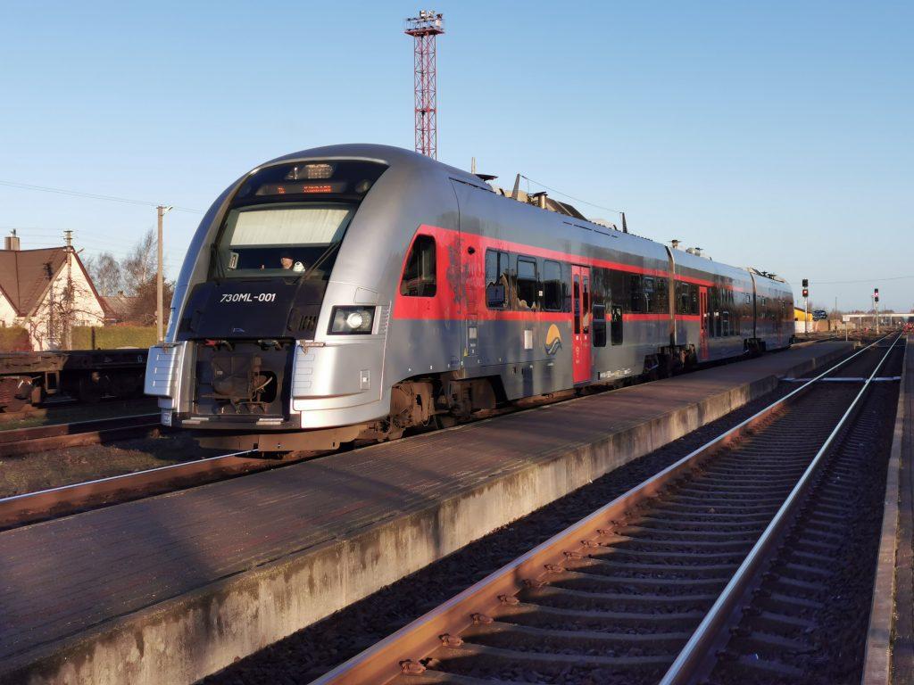 Į Klaipėdą traukiniu kretingiškiai važiuoja labai retai. Editos Dargienės nuotr.