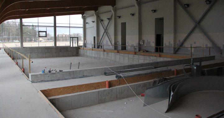 Būsimame baseine – dar nebaigta montuoti įranga ir neišklijuotos plytelės.