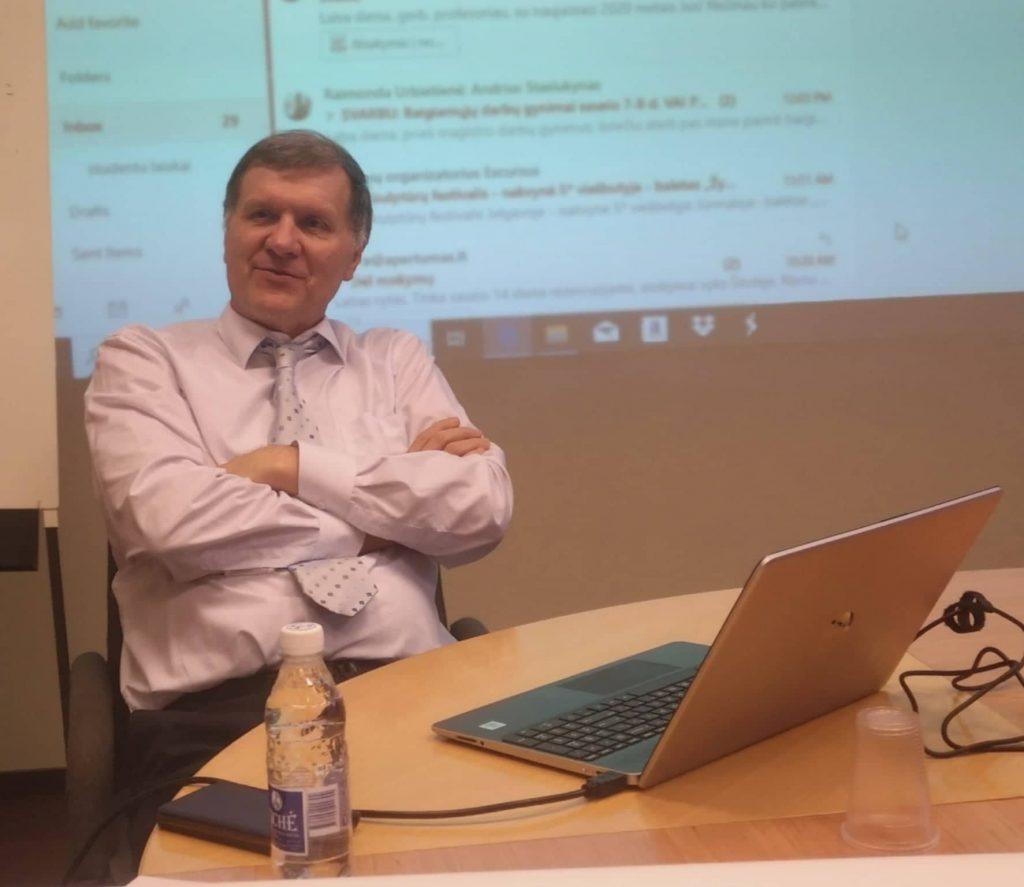 Profesorius Saulius Nefas būtų sutikęs Kretingos rajono seniūnaičiams seminarą vesti už 500 eurų, bet Savivaldybė dar pridėjo 400 eurų jį delegavusiam KTU Savivaldos mokymo centrui.