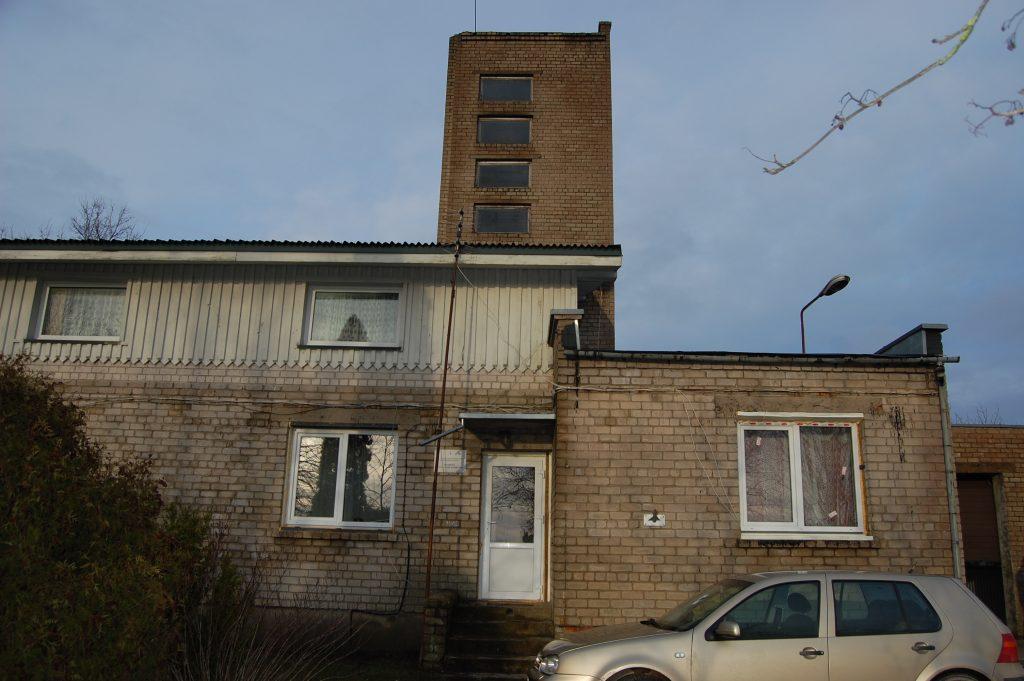 Daugiau nei 20 metų nenaudojamas bokštas jau kelia ir grėsmę.