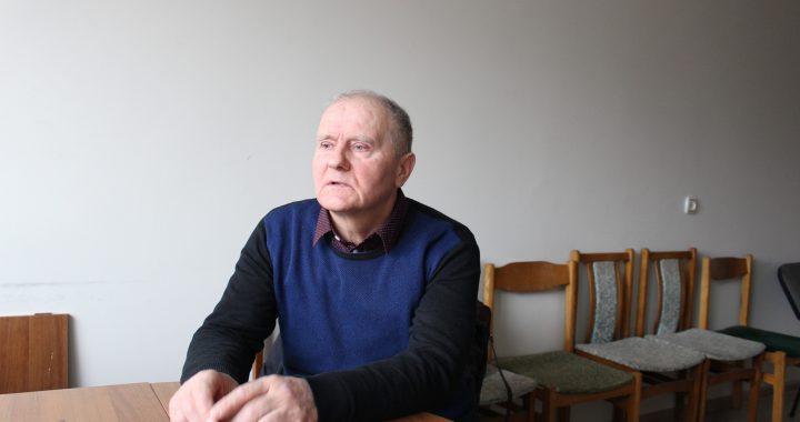 Kol kas Valstiečių ir žaliųjų sąjungos frakcijai priklausantis Tarybos narys Stasys Kaniava nori balsuoti niekieno nevaržomas. Autoriaus nuotr.
