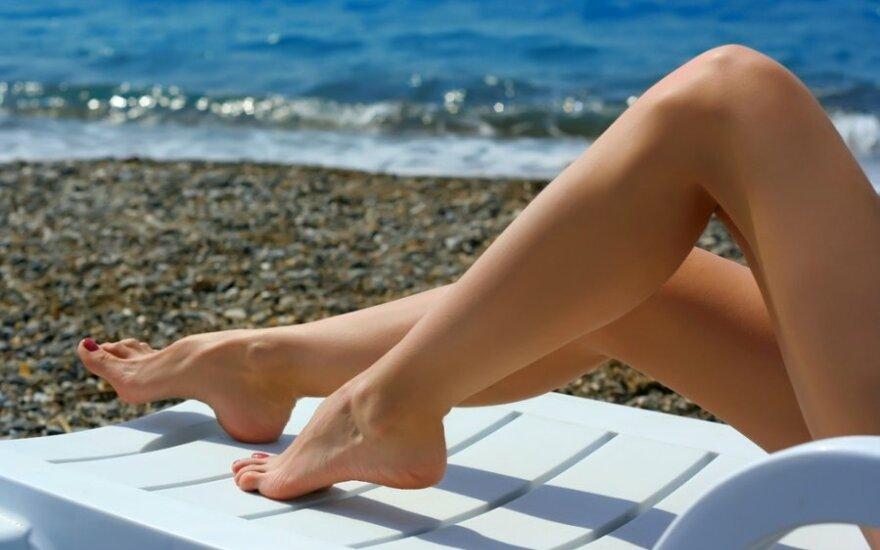 Į didelius vasaros karščius reaguoja ir mūsų kojos. © Shutterstock nuo