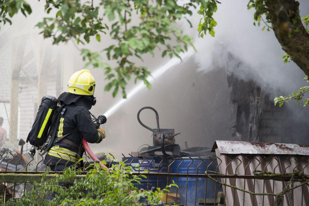 Vėlų penktadienio vakarą Minijos gatvėje kilusį gaisrą ugniagesiai sustabdė per valandą.