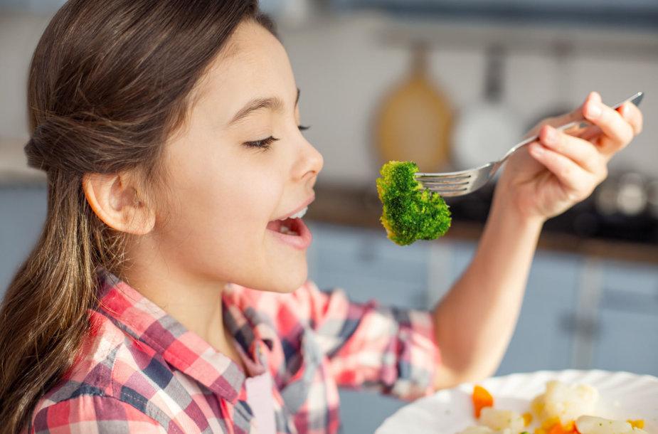 Skatinti vaiką maitintis sveikai galima ir žaismingai. Vida Press nuotr.