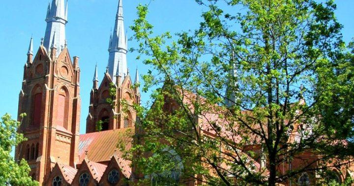 Liepos mėnuo reikšmingas ir Salantų Švč. Mergelės Marijos Ėmimo į dangų bažnyčios statytojo Pranciškaus Motiejaus Urbonavičiaus biografijoje. Juliaus Kanarsko nuotr.