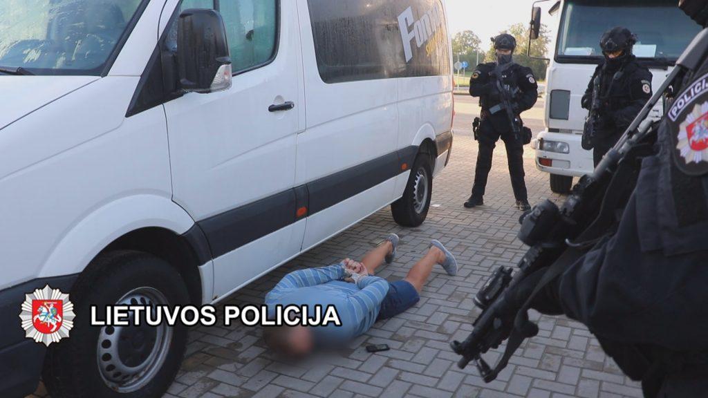 Vakar buvo policijos pareigūnai sulaikė 18 asmenų, įtariamų prekyba narkotikais ir žmonių išnaudojimu.