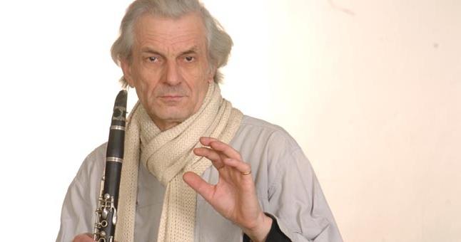 Šiandien 77-ąjį gimtadienį švenčia atlikėjas instrumentininkas profesorius Pranciškus Narušis. Algirdo Kubaičio nuotr.