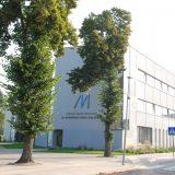 Naujasis M.Valančiaus bibliotekos pastatas dar neatšventė savo antrojo gimtadienio, tačiau pinigų iš biudžeto stogo remontui jau pareikalavo.