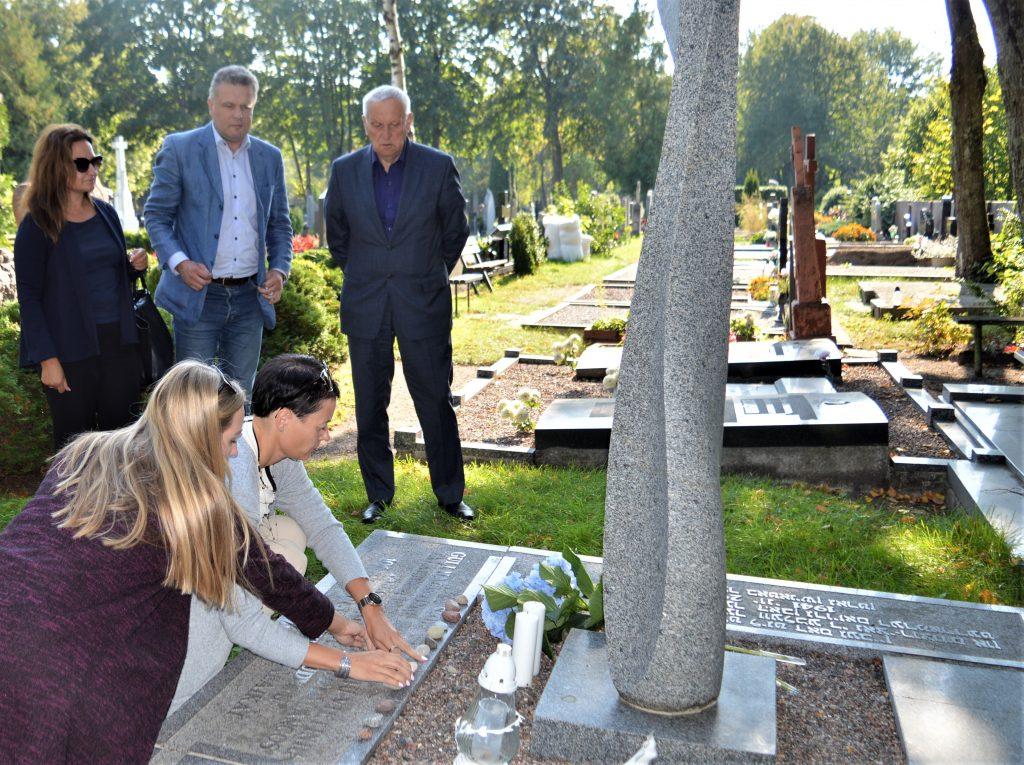 Kurorte buvo pagerbtos žydų genocido aukos. Palangos savivaldybės nuotr.