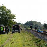 Vyras po traukinio ratais šoko pats. Aisto Mendeikos nuotr.