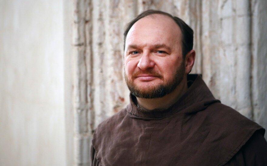 Šiandien kunigas Juozapas Marija Žukauskas perėmė Kretingos parapiją. DELFI Rafael Achmedov nuotr.