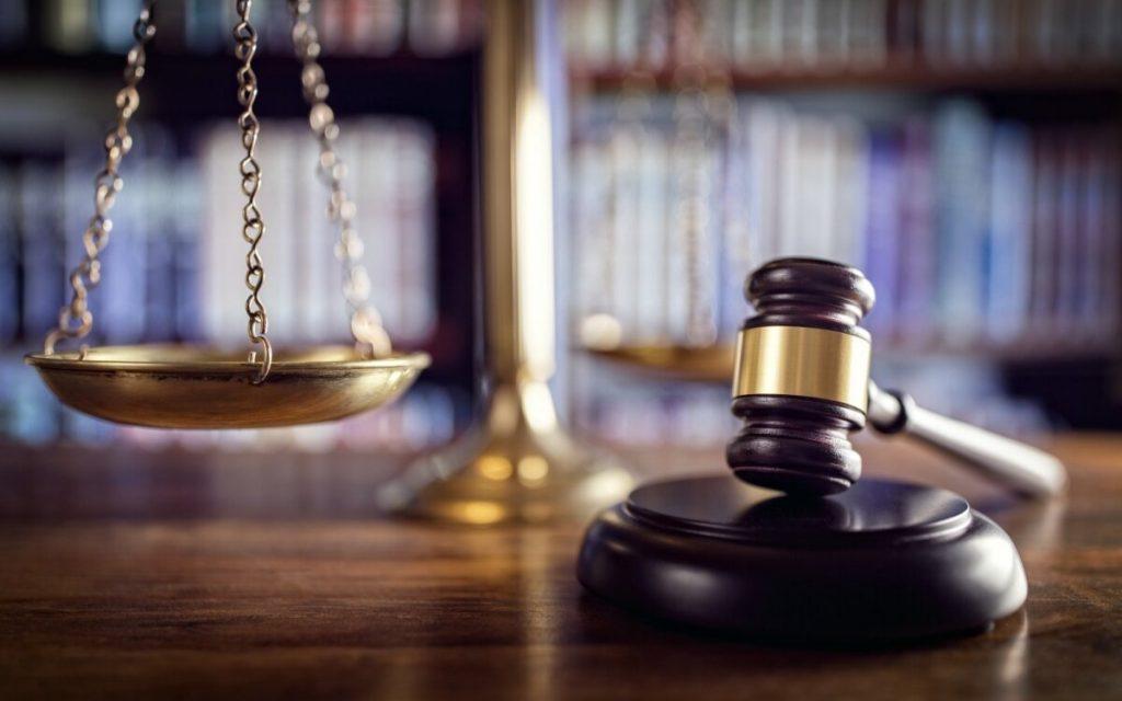 Klaipėdos apygardos teismas nepatikėjo nužudymu kaltinamo vyro teiginiu, kad jis aukai sudavęs tik antausį. Asociatyvi nuotr.