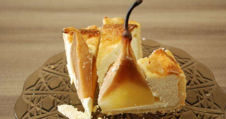 Agnės varškės ir kriaušių pyragas. Aisto Mendeikos nuotr.