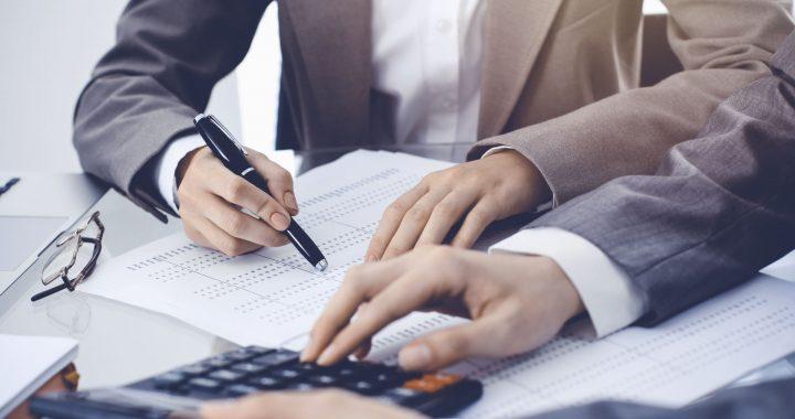 Karantino metu verslo įmonėms leidžiama atidėti mokesčius.