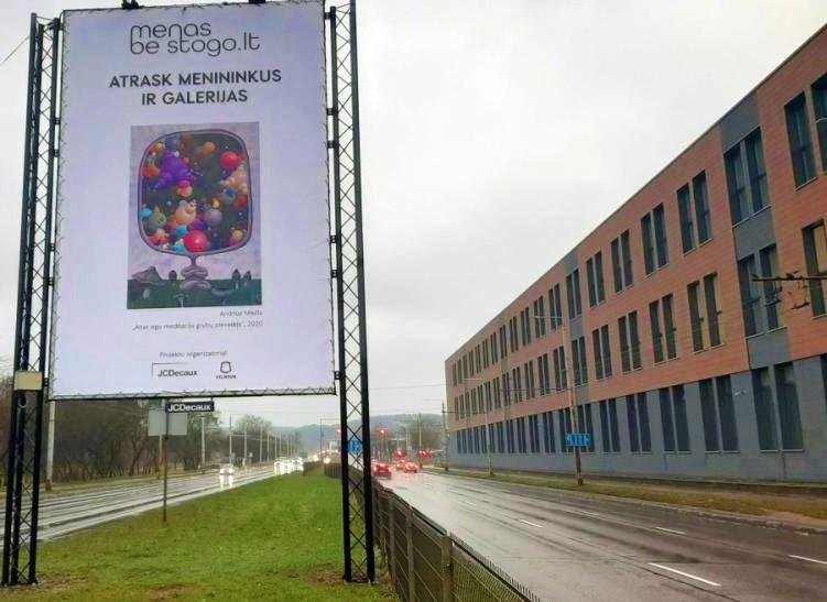Judriausią Vilniaus gatvę - Savanorių prospektą - papuošė Kretingoje gyvenančio menininko Andriaus Miežio paveikslas.