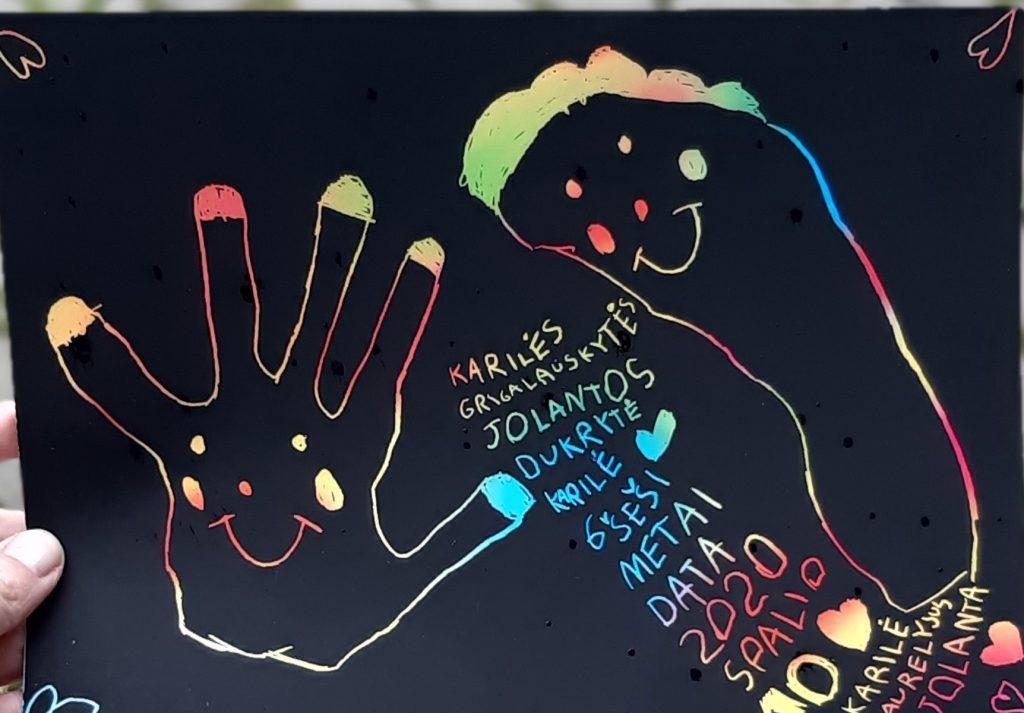 Vaikai labai susidomėjo įvairiomis kūrybinėmis užduotimis. Organizatorių nuotr.