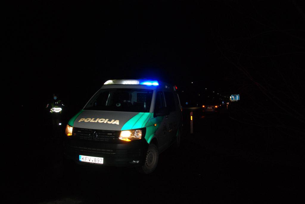 Per tris dienas Kretingos rajono pareigūnai į Kretingą neįleido 114 automobilių, Aisto Mendeikos nuotr.