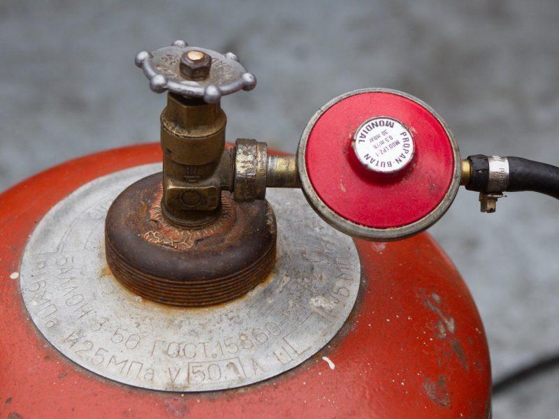 Vagys iš svetimo sandėliuko išnešė net dujų balioną. Asociatyvi nuotr.