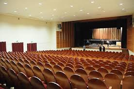Kretingos rajono kultūros centro koncertų salė.