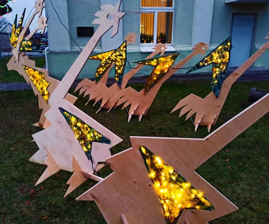 Štai tokia meninė kūrybinė instaliacija papuošė Salantus. Organizatorių nuotr.