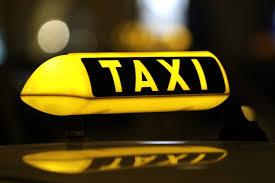 Šeši Kretingos taksistai, įkliuvo pareigūnams, bandę neteisėtai parduoti alkoholio. Asociatyvi nuotr.