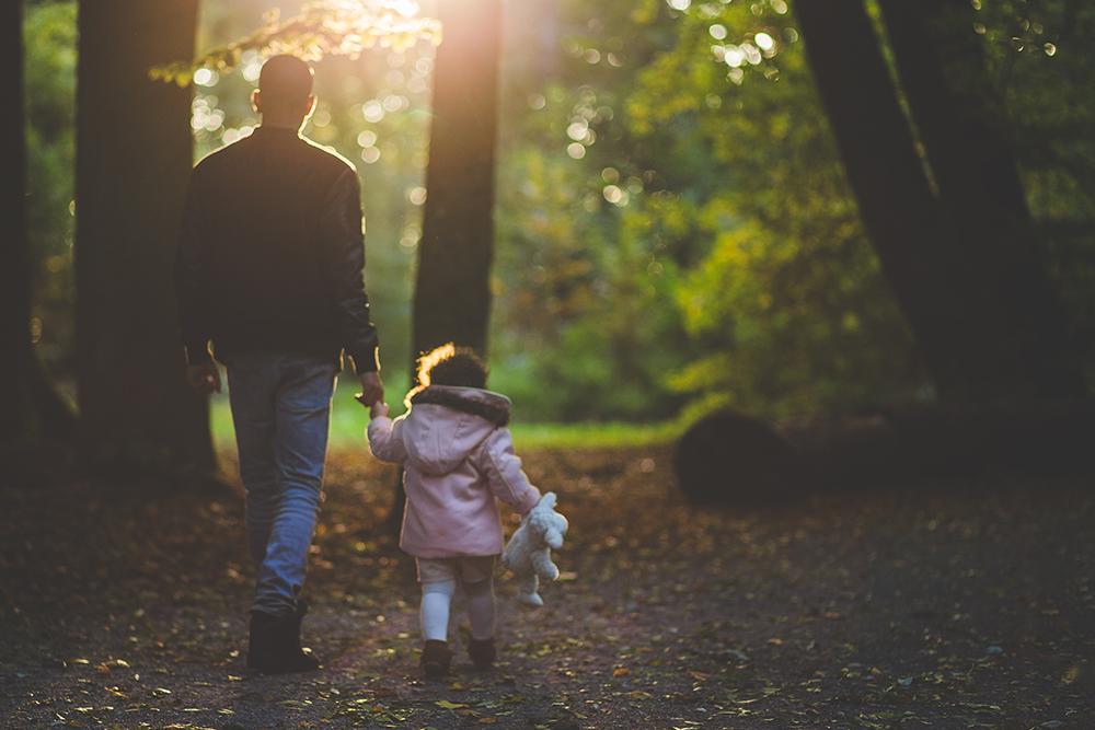 Išsiskyrusių tėvų vaikai  per šį griežtąjį karantino laikotarpį nepraranda galimybės susitikti su tėčiu ar mama, kuris,-i negyvena kartu.