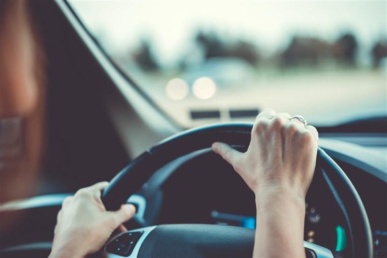 Mažinami ribojimai vairuoti automobilį. Asociatyvi nuotr.