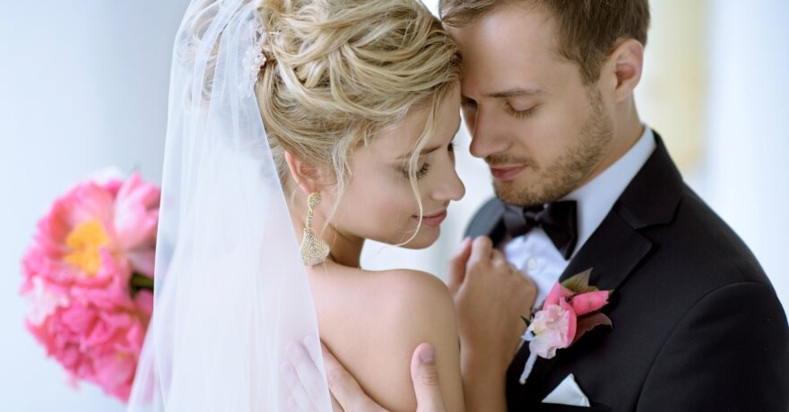 Dėl karantino per praėjusius metus santuokos ceremoniją nukėlė 6 poros Kretingos rajone. Asociatyvi nuotr.