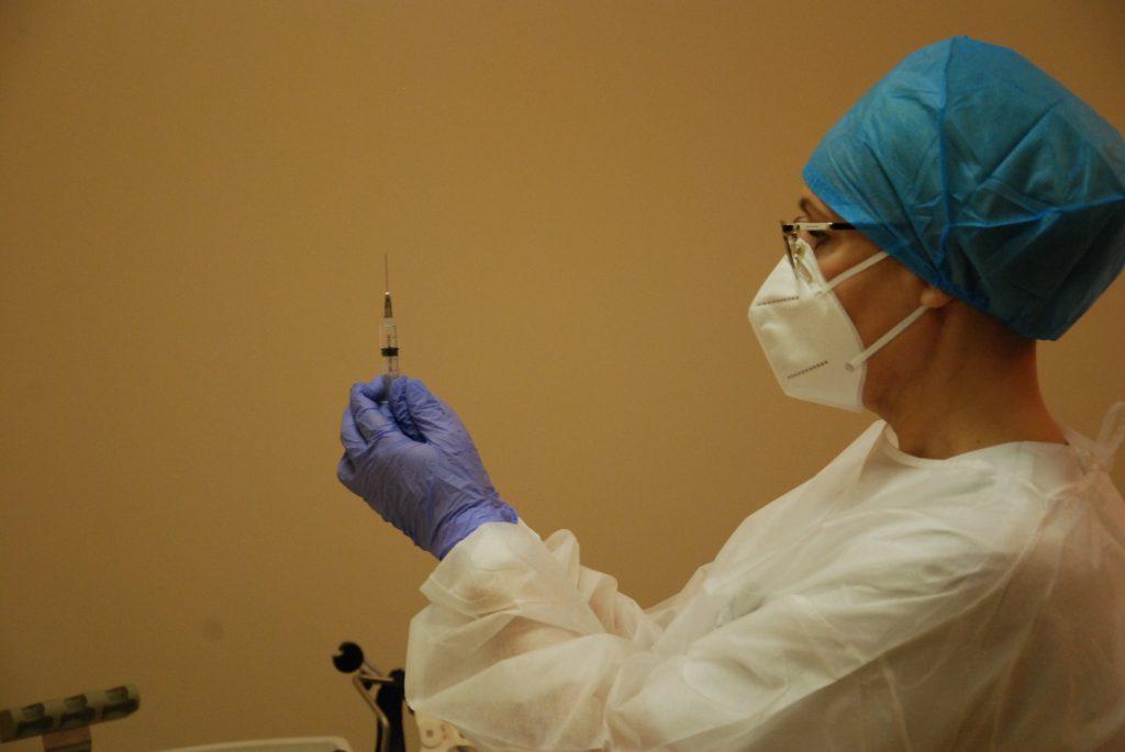 Vakcinos nuo koronaviruso jau laukia beveik 680 Kretingos rajono gyventojų. Aisto Mendeikos nuotr.