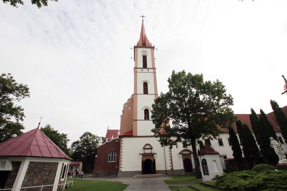 Kretingos pranciškonų vienuolynas šiemet mini ne vieną jubiliejinę sukaktį.