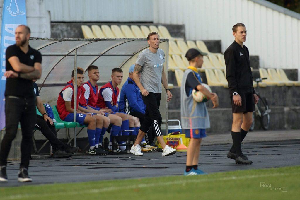 """""""Minijos"""" komandą ir toliau treniruos Gvidas Juška (pilki marškinėliai) (ReAl moments nuotrauka)."""