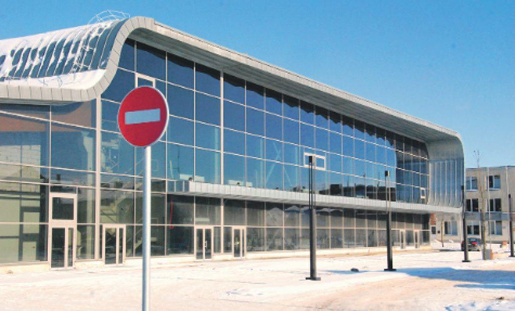 Kontrolės komitetas iškėlė klausimą, ar prieš 6-erius metus pradėtos Kre-tingos sporto komplekso statybos apskritai yra teisėtos. Aisto Mendeikos nuotr.