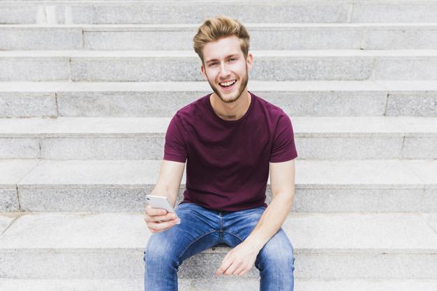 """Pokalbis su """"Jaunimo linijos"""" savanoriu pakeitė jaunuolio požiūrį į gyvenimą. Asociatyvi nuotr."""