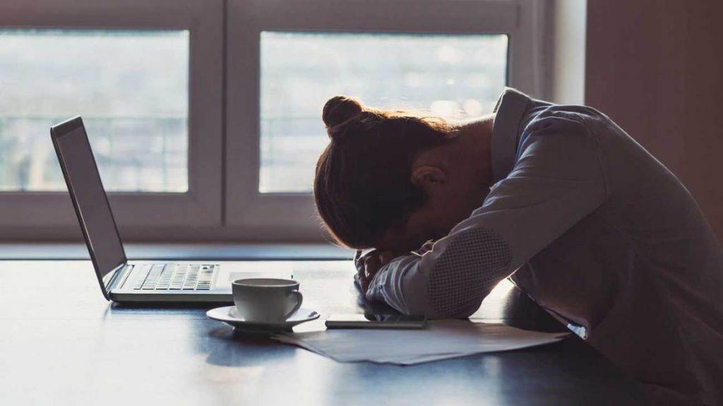 Trūkstant B grupės vitaminų nuolat juntamas nuovargis.