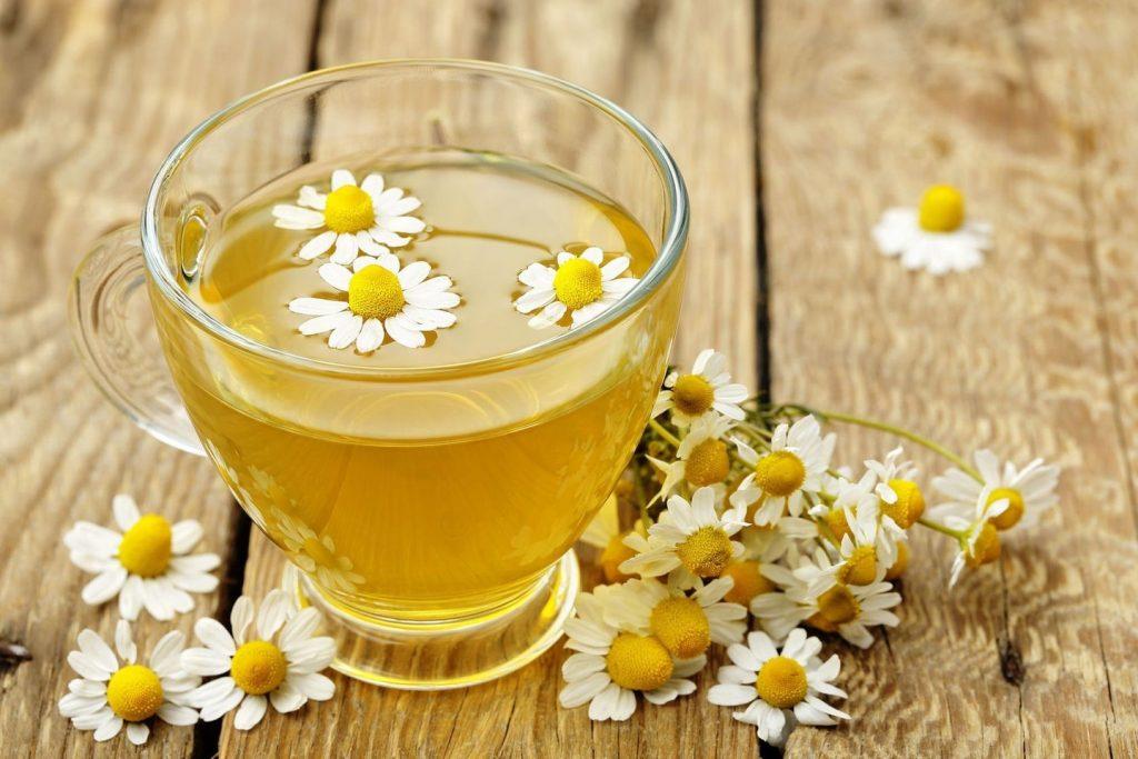 Skrandžiui ypač naudinga ramunėlių arbata.