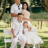 Latakų šeima: tėvai Kęstutis ir Ieva su vaikais Emilijumi ir Estera. Asmeninio archyvo nuotr.