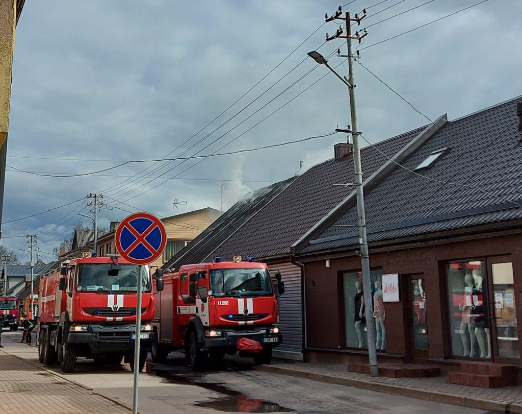 Praėjusį šeštadienį gaisras kilo Kretingoje, Vytauto g. Socialinių tinklų nuotr.