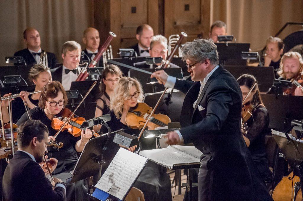 Tomas Ambrozaitis ir KVMT orkestras. Olesios Kasabovos nuotr.