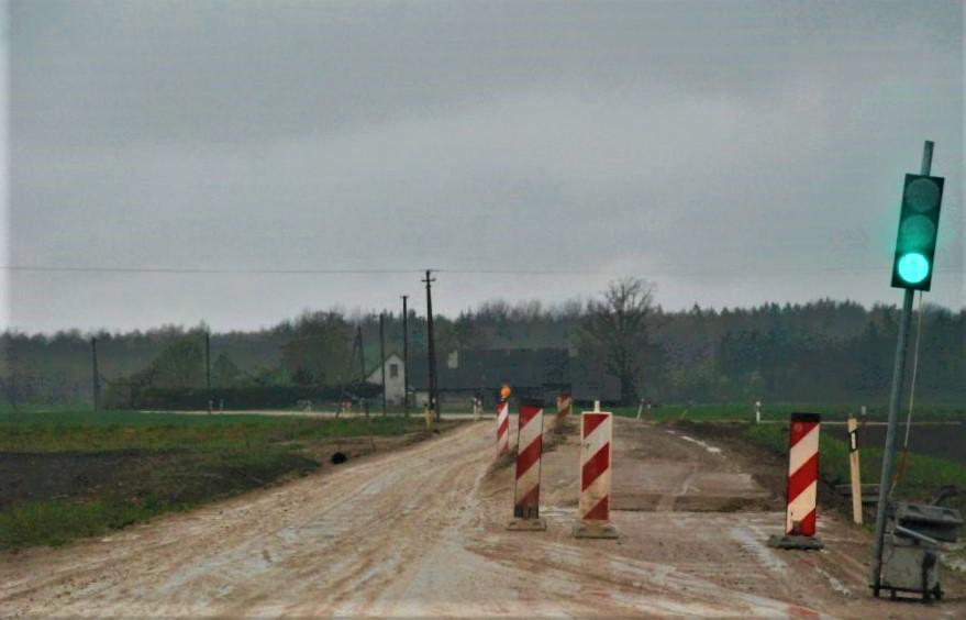 Kelyje Darbėnai-Kūlupėnai sudėtingiausios sąlygos yra šalia Šukės kaimo. Aisto Mendeikos nuotr.