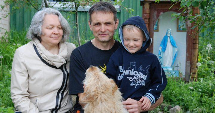 Saulius Šopaga su žmona Anastasija ir jauniausiu sūnumi Tomu. Aisto Mendeikos nuotr.