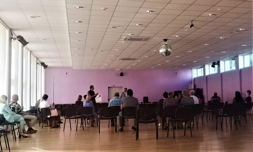 Išklausyti Tarybos ataskaitos susirinko 19 Kretingos gyventojų.