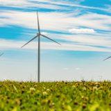 """Šalia """"Ignitis renewables"""" vėjo parkų įsikūrusios bendruomenės kviečiamos teikti paraiškas dėl finansinės paramos"""