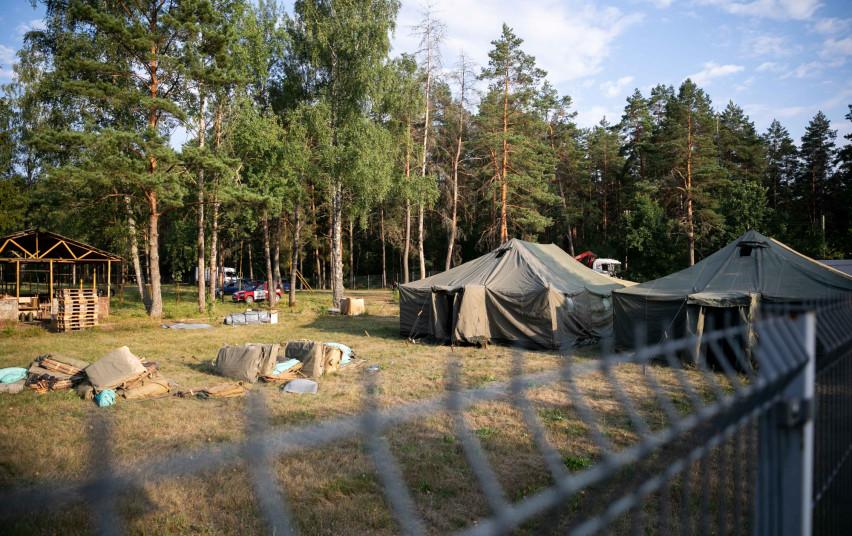 Migrantai Rūdininkų paligone. Vidaus reikalų ministerijos nuotr.