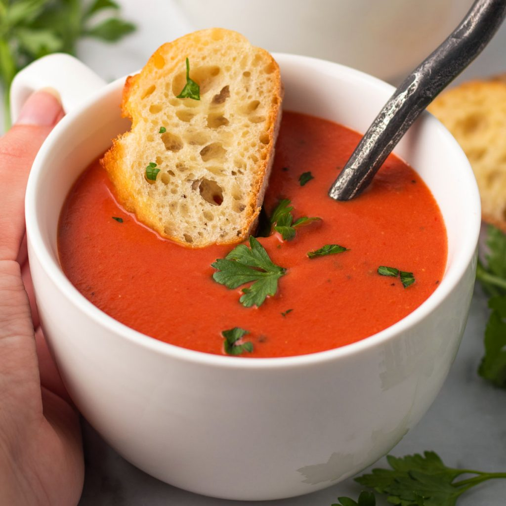 Pomidorų sriuba.
