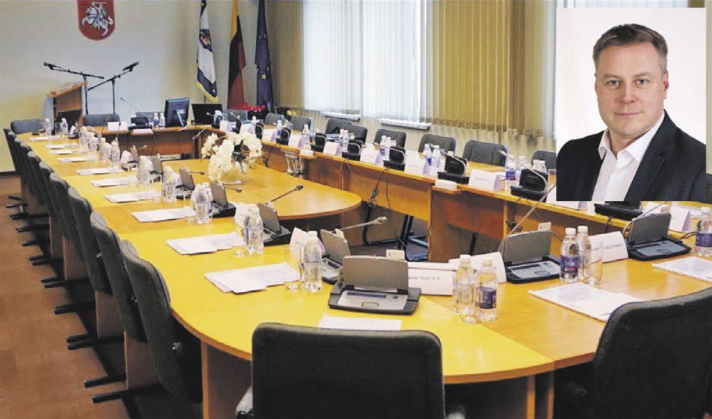Savivaldybės meras Antanas Kalnius, padavęs į teismą Tarybą, teigia nesuprantąs, kodėl teismo posėdis buvo atidėtas.